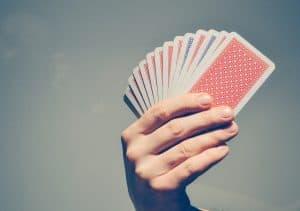טריקים עם קלפים