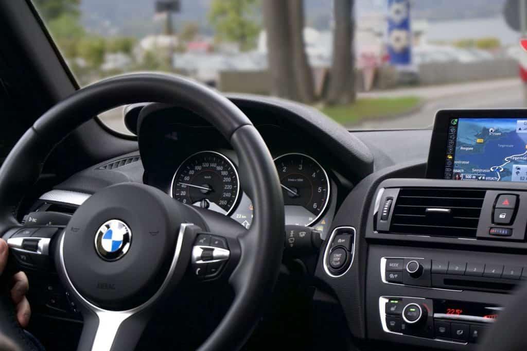 בתוך מכונית