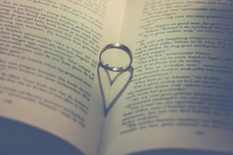 ספר וטבעת